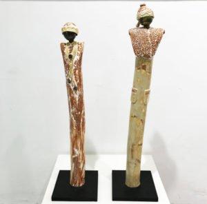 Opera: Donnine Medie Tecnica: sculture in ceramica dipinta a mano Dimensioni: 75 x 7 x 7 cm circa Anno: 2018